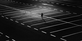 parking-space-1487891_1920